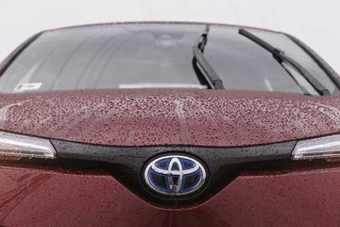 Front view of a Toyota showing the windscreen and wipers